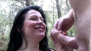 amatrice espagnole baisée dans un parc
